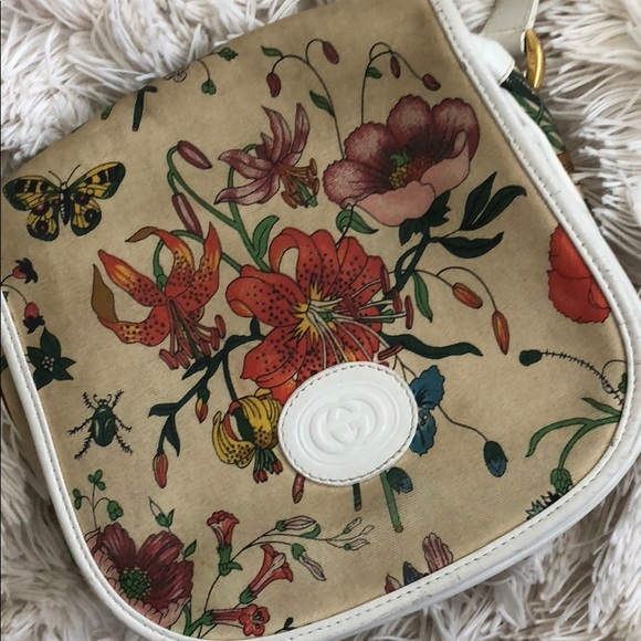 92c7b88e8 Gucci Handbags - VINTAGE rare GUCCI Floral crossbody bag!